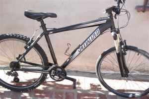 SPECIALIZEDE HARDROCK 07 MENS BIKE - $200 (INGLEWOOD)