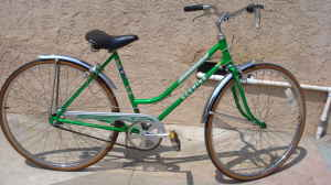 1970's Schwinn collegiate 3 speed Bike very nice - $150 (montebello)