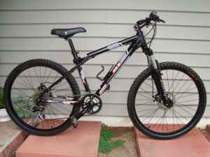 GT Avalanche 3.0 Disc Hardtail Mountain Bike - $350