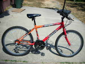 Beautiful Orange Huffy Lacota Lady Mt Bike Like New - $75 (los angeles)