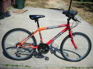Beautiful Orange Huffy Lacota Lady Mt Bike Like New - $75 (los angeles)