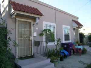$480000 / 3br - Duplex + Studio (Long Beach)