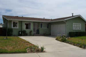 $379900 / 4br - (704-C) Charming Home with Oversized Lot! 4BD 2BA  (Covina)
