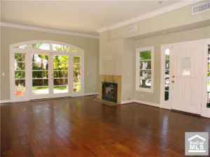 LOVELY 4bdr 2.75bth GREAT FAMILY ROOM, WOOD FLOORS, $1775/MO! (SOUTH BAY)