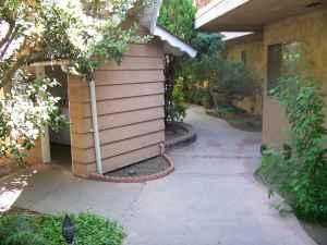 $725 Single Charmer in Security Building (Winnetka, Northridge, Canoga Park)