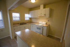 $1695 / 4br - 2 Bath Apartment with Private Laundry Room (Long Beach) (map)